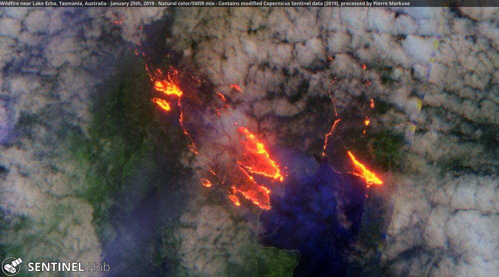Wildfire near Lake Echo, Tasmania - Copernicus/Pierre Markuse